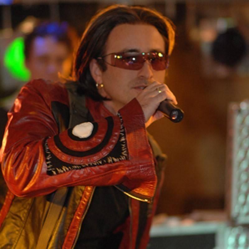 Bono (U2) Imitator Sam Kramer